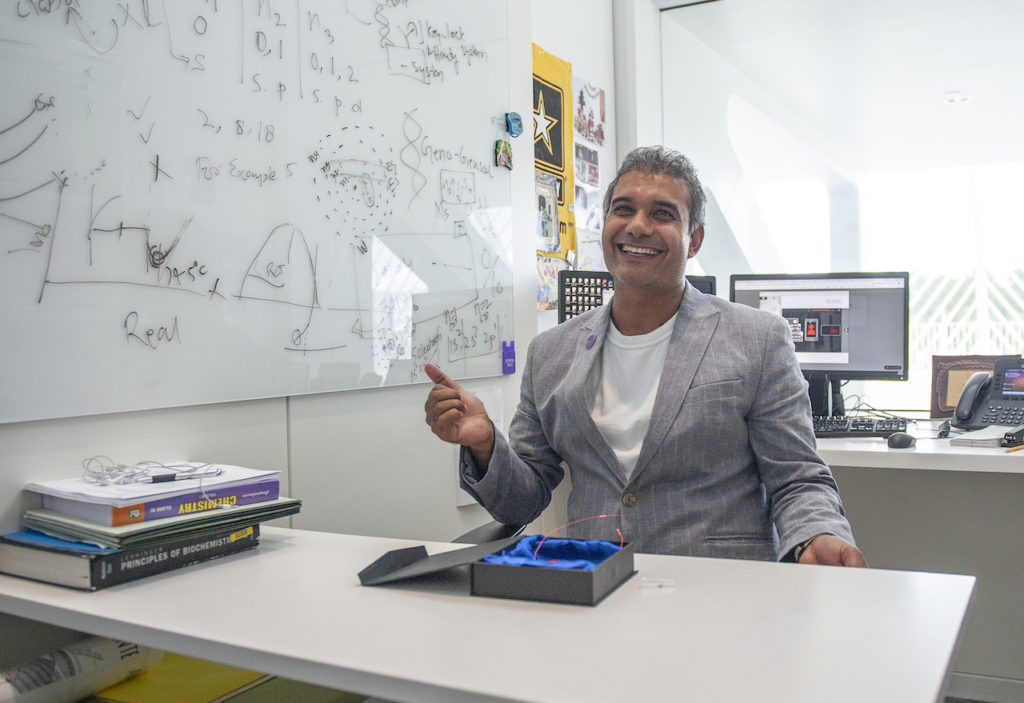 Florida Polytechnic University professor Dr. Ajeet Kaushik received the 2019 USERN Prize in biological sciences, an international award recognizing his work in the field of nanomaterials for the detection and treatment of diseases.