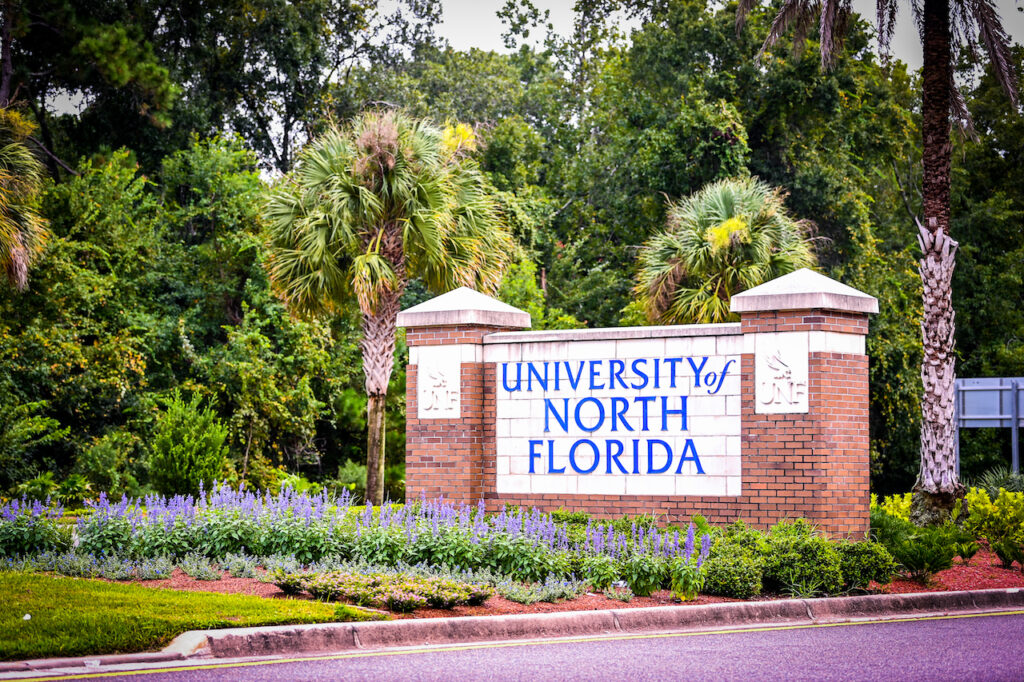 UNF Entrance Sign